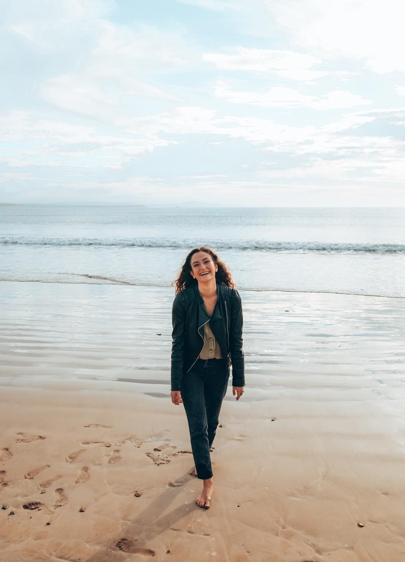 beach essaouira girl